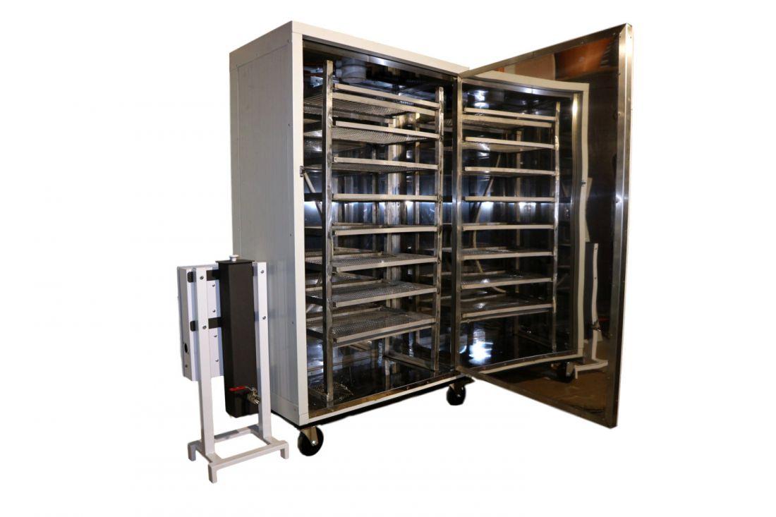A mindent is tudó fűthető, tálcás, 700 literes füstölőszekrény